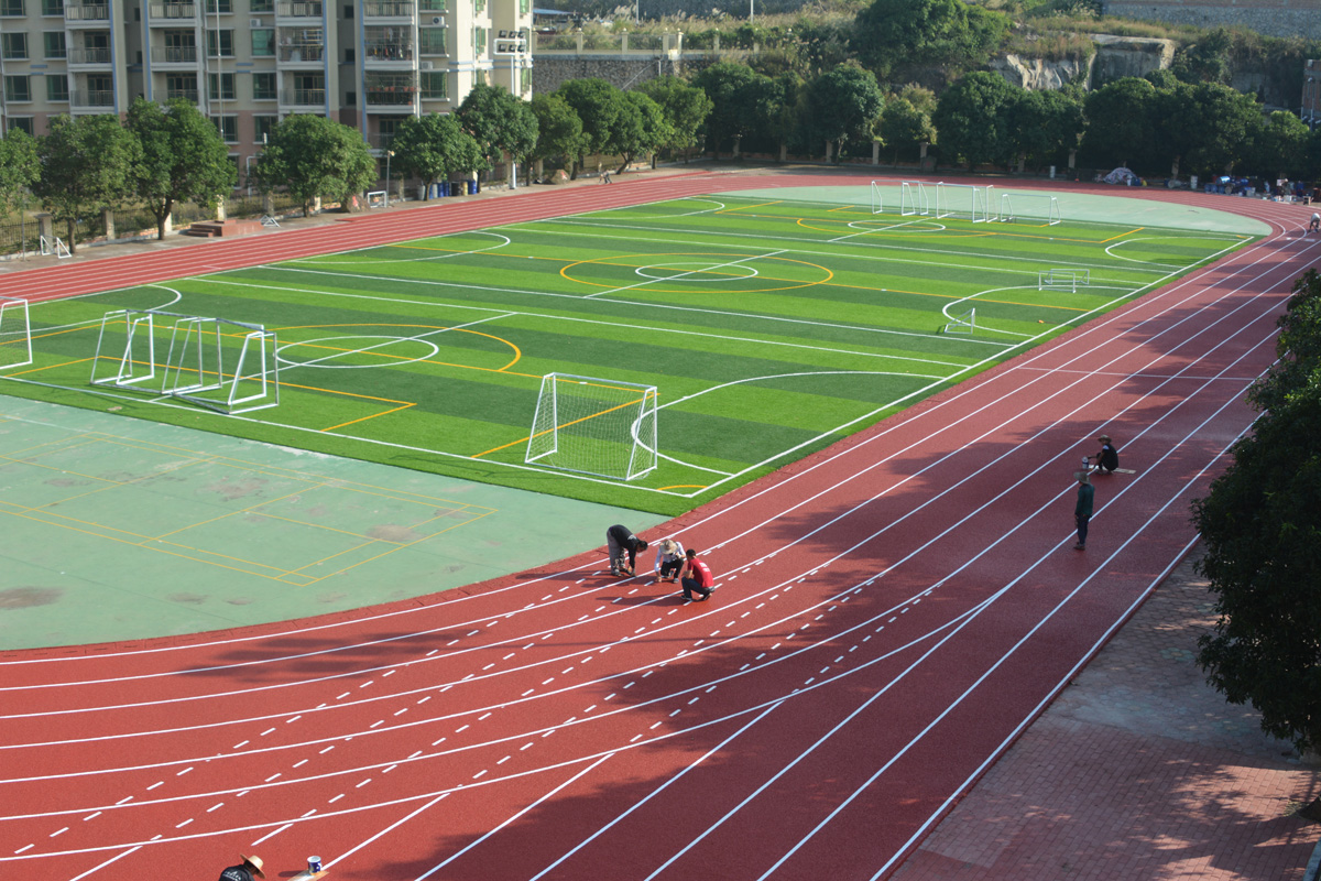 青岛人造草足球场|塑胶跑道材料|人造草坪|塑胶运动