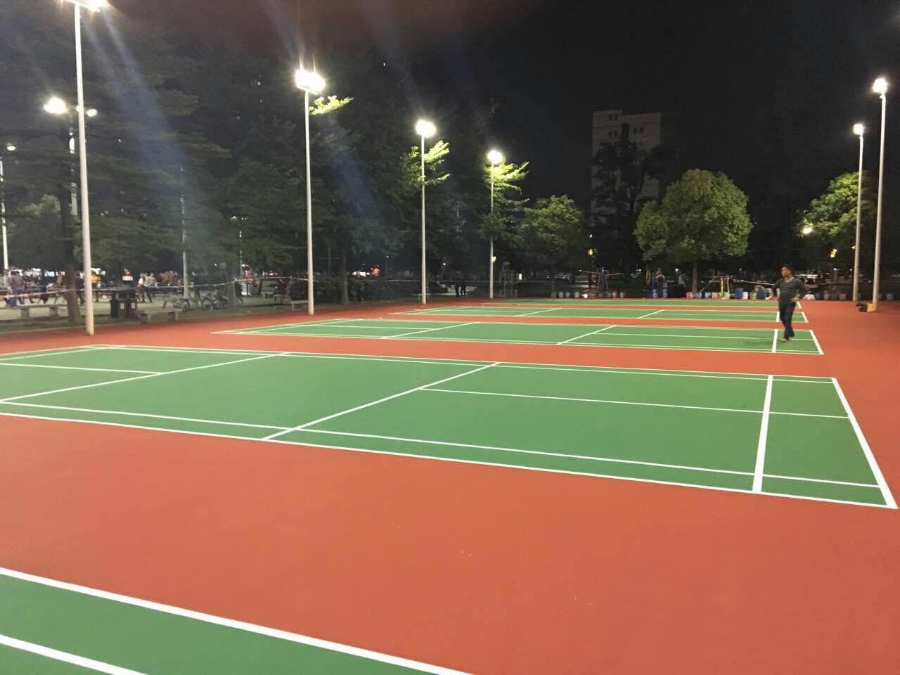 东凤镇政府羽毛球场翻新完工