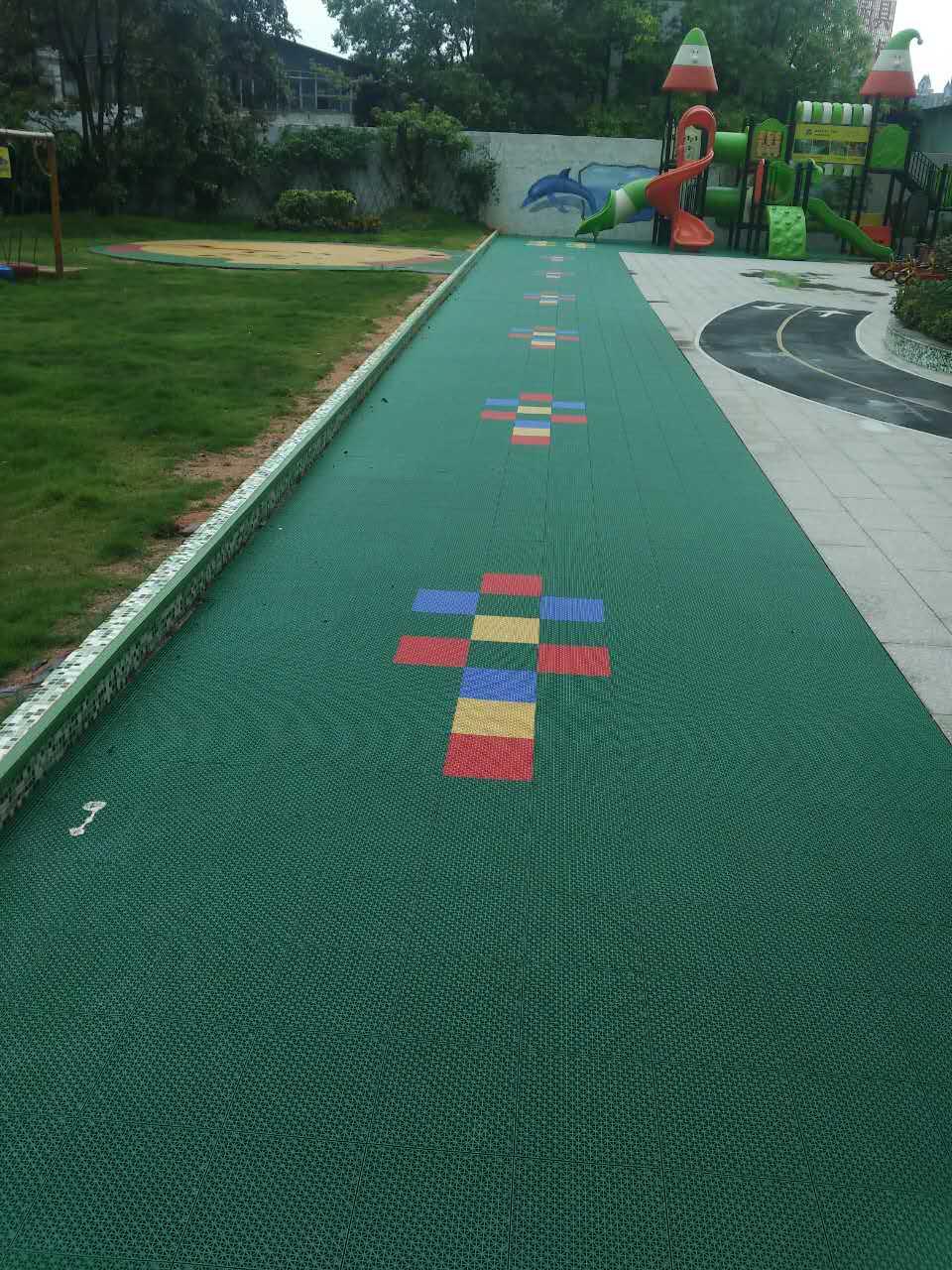 中山市伟才国际幼儿园拼装地板