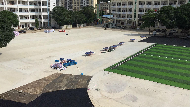 广西崇左和平中学足球场施工