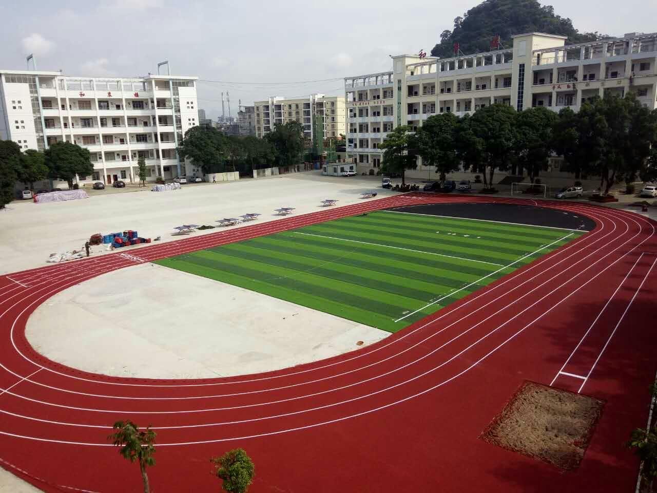 和平中学运动场地施工