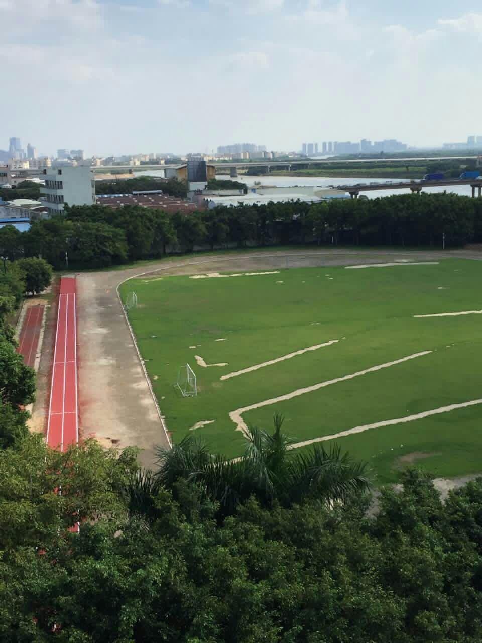 中山市古镇中学运动场-120米TPU混合型跑道样板