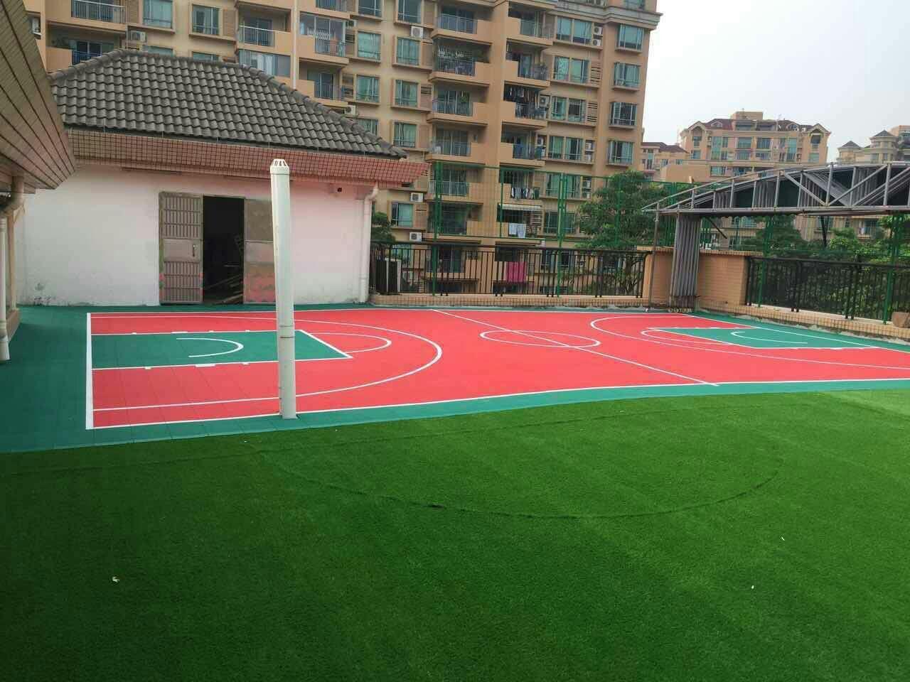 中山市小博士雍逸廷幼儿园屋面人造草坪足球场、拼装地板篮球场