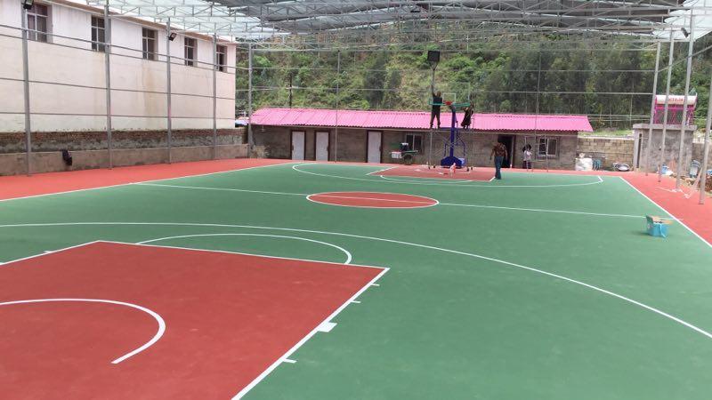 四川凉山州木里县 篮球协会 丙烯酸篮球场及移动篮球架