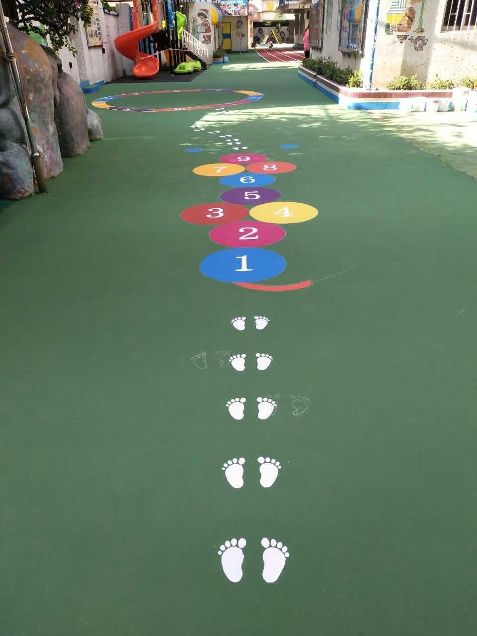 中山市石岐童乐外贸幼儿园操场 水性丙烯酸彩色地面施工