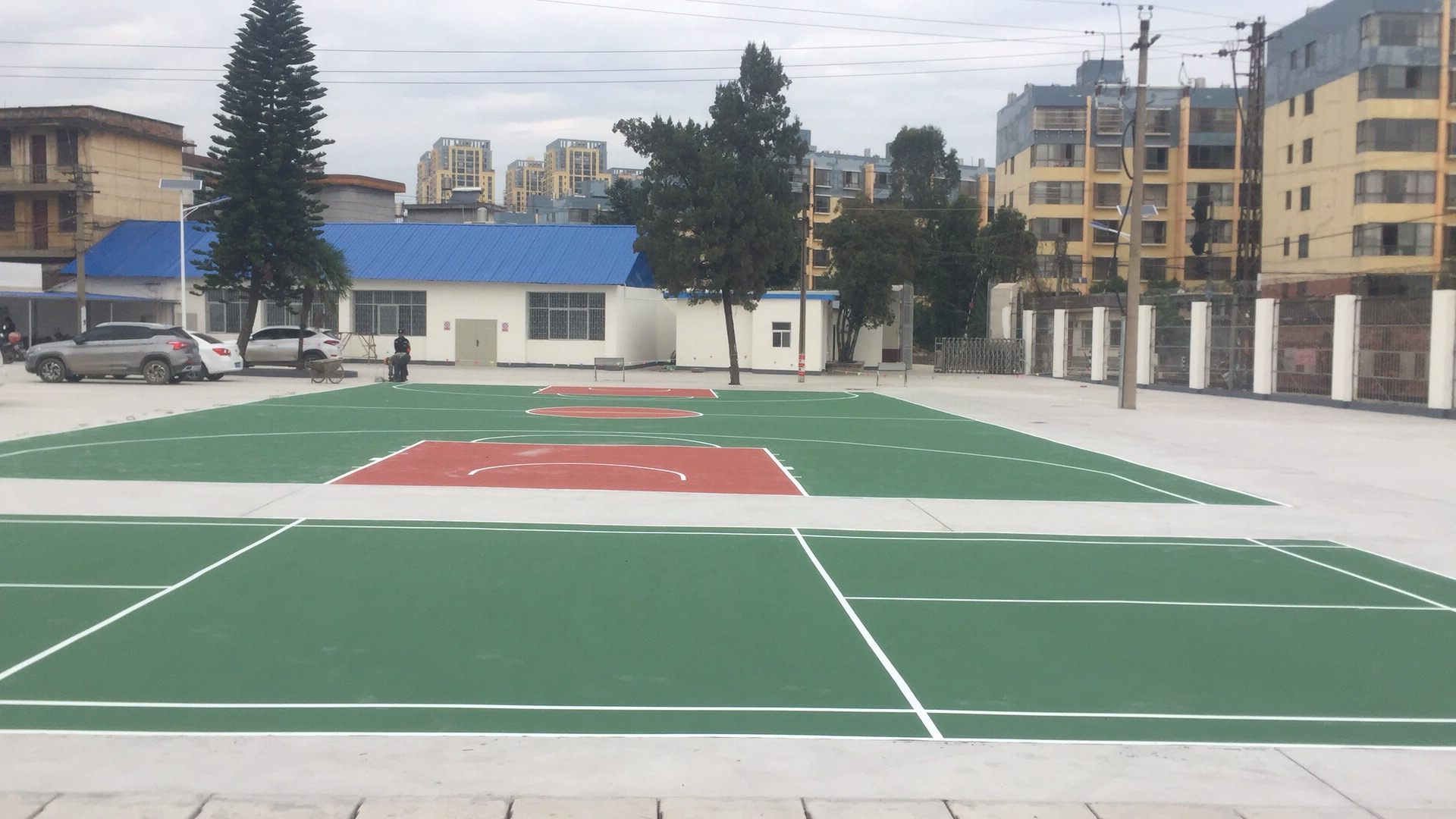 壮宸劲豹-水性运动地坪材料 供应云南宜良县室外篮球场丙烯酸羽毛球场地项目