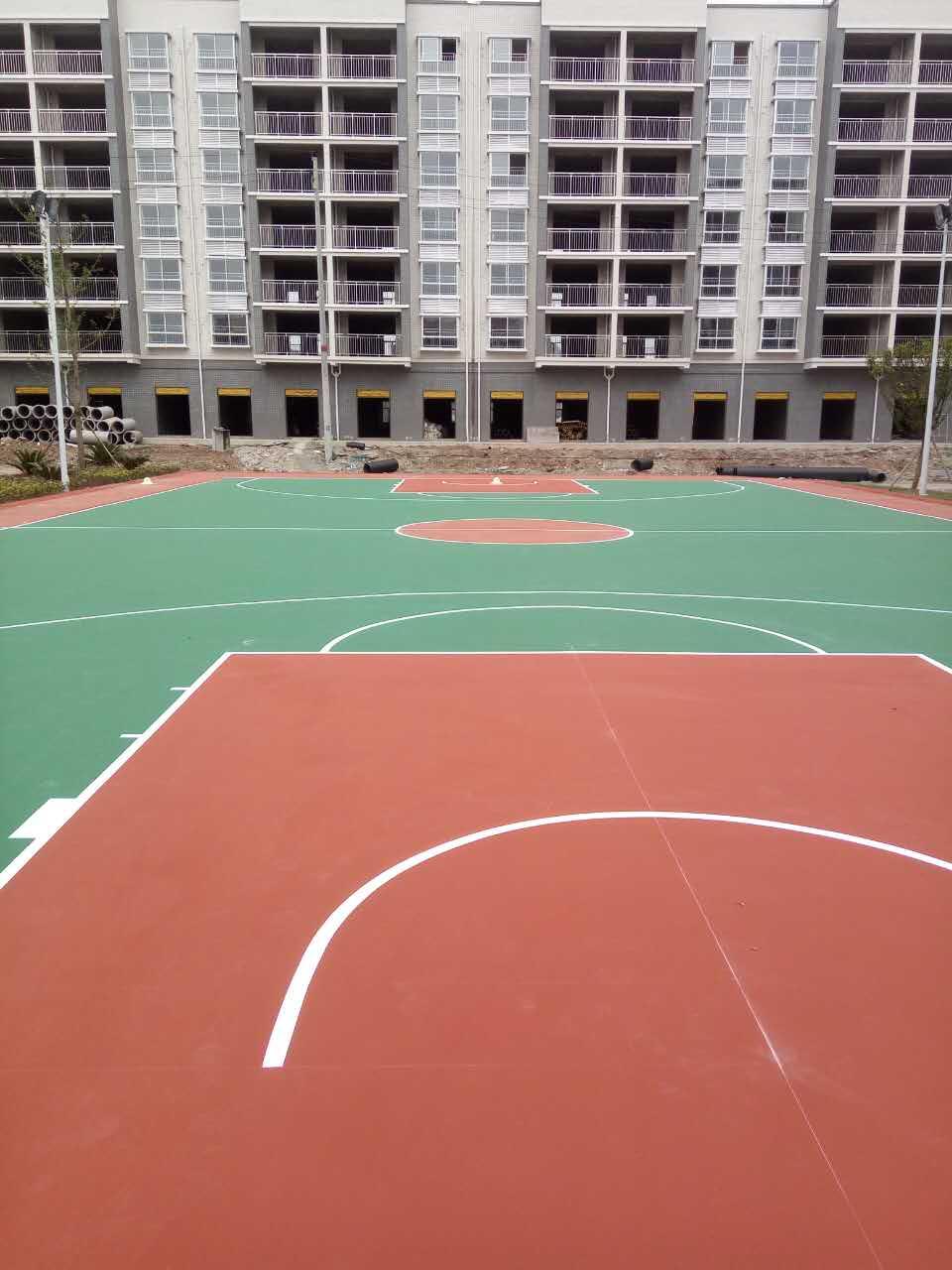 1300平方弹性丙烯酸篮球场完工